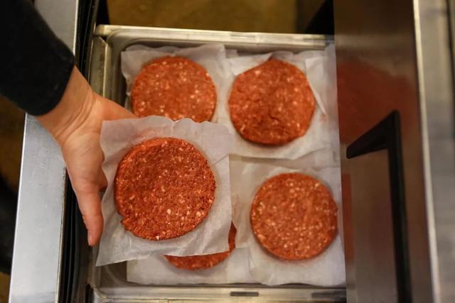 """""""人造肉""""火了!各种真肉应有尽有,我们为什么还要吃人造肉?"""
